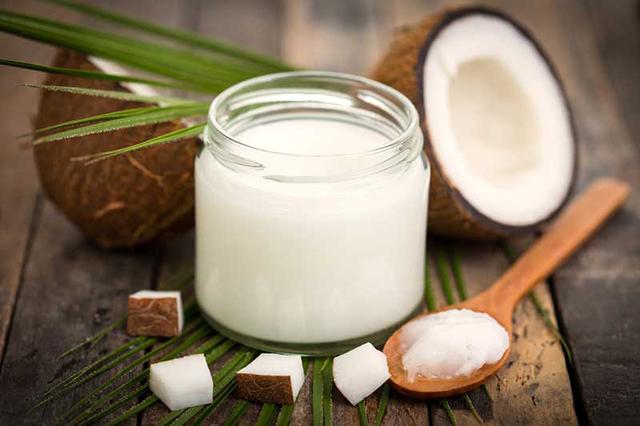 Uleiul de cocos: proprietati, beneficii, utilizari